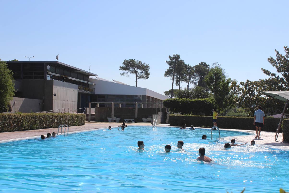 Venha dar um mergulho nas piscinas exteriores de mangualde - Piscinas exteriores ...